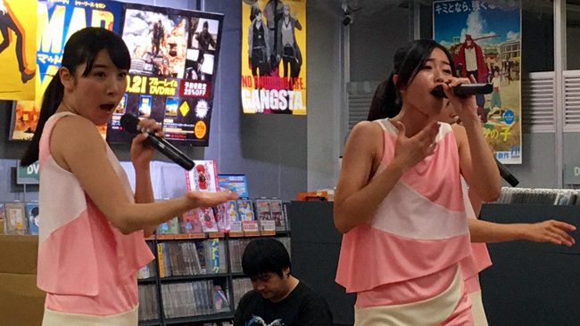 callme instore mini live at Tower Records in Akihabara