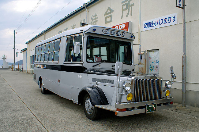 Shodoshima Bus at Sakate port, Shodoshima Photo: 633highland