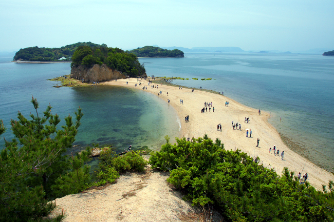 Dobuchi Strait 'Angel Road', Shodoshima Photo: 633highland