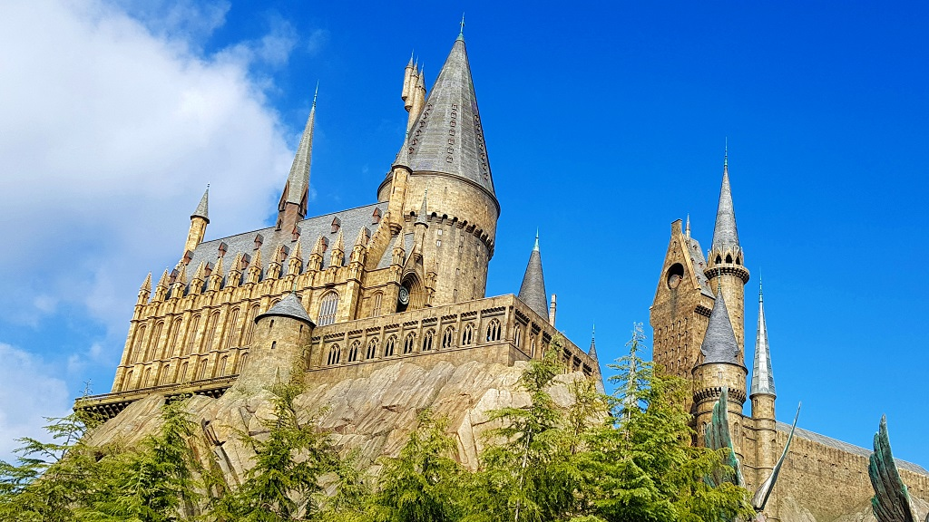 Hogwart's Harry Potter Universal Studios Japan USJ The Real Japan Rob Dyer