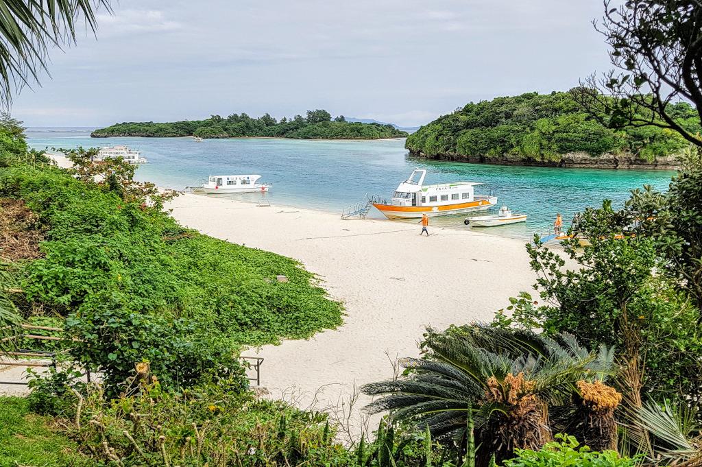 Kabira Bay, Ishigaki, Yaeyama Islands, The Real Japan Rob Dyer